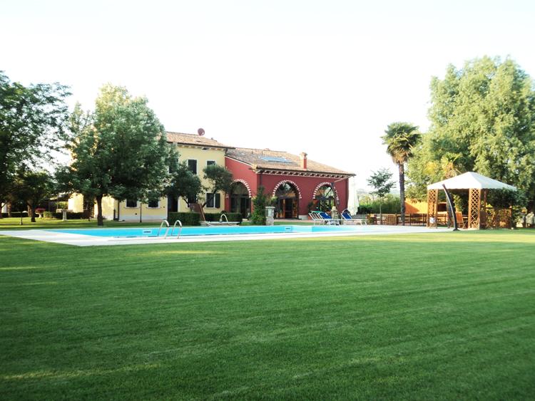 Azienda-1543b65d3989bf.jpg