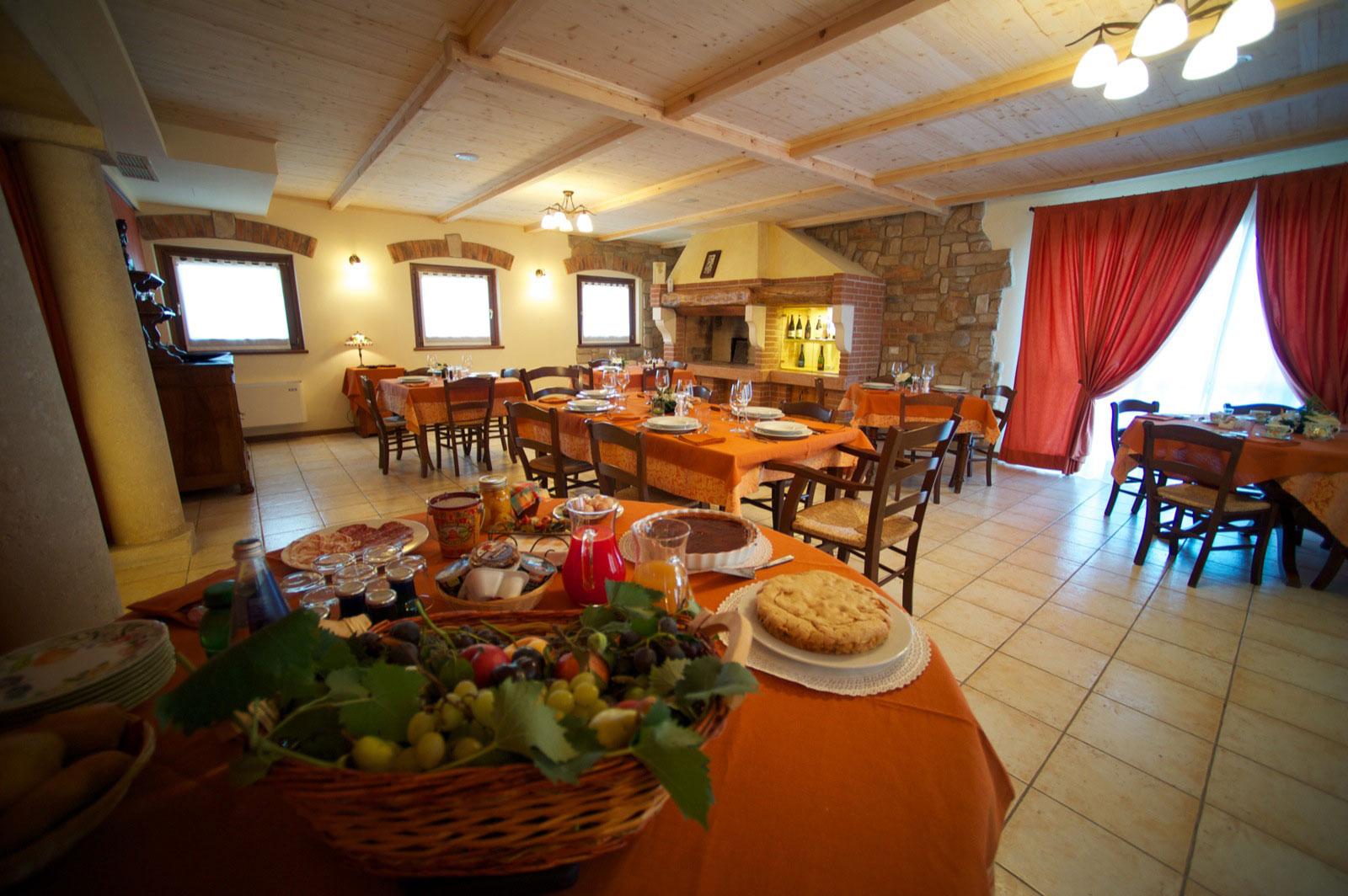 ristorante-i-caloseni-sala1543b60d0043ed.jpg